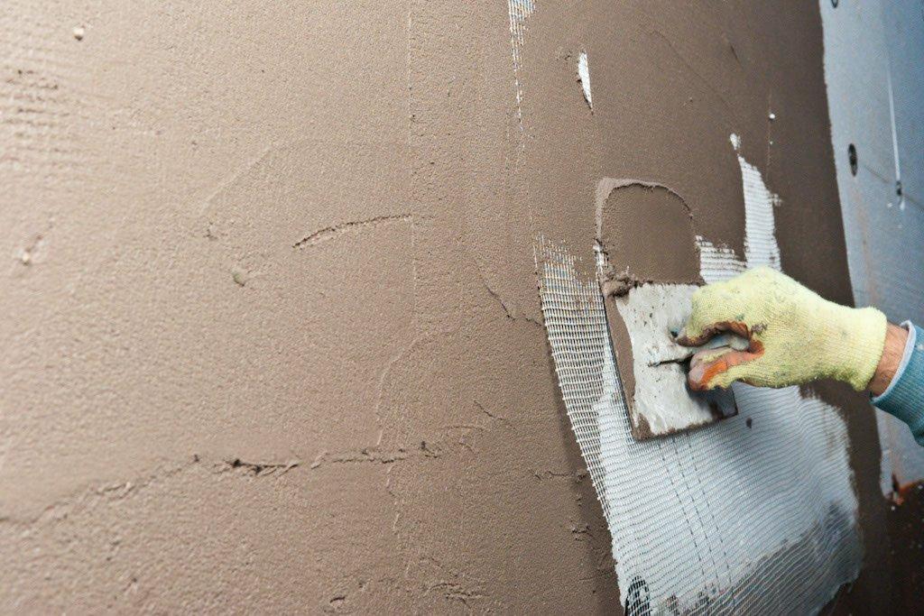 Чем шпаклевать стены под покраску своими руками 314