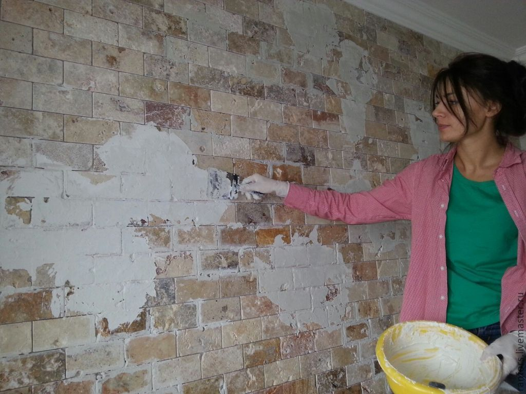 Как покрасить старую кирпичную стену своими руками 50