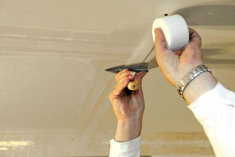 Как сделать шпаклевку на потолке 909