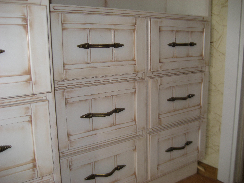 Как покрасить шкаф под старину 100