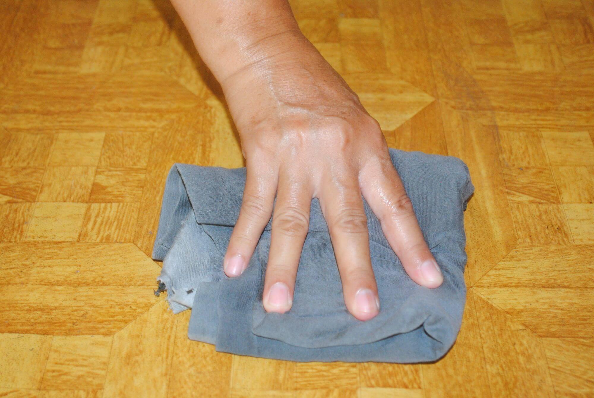 Как отмыть зеленку от рук и ногтей
