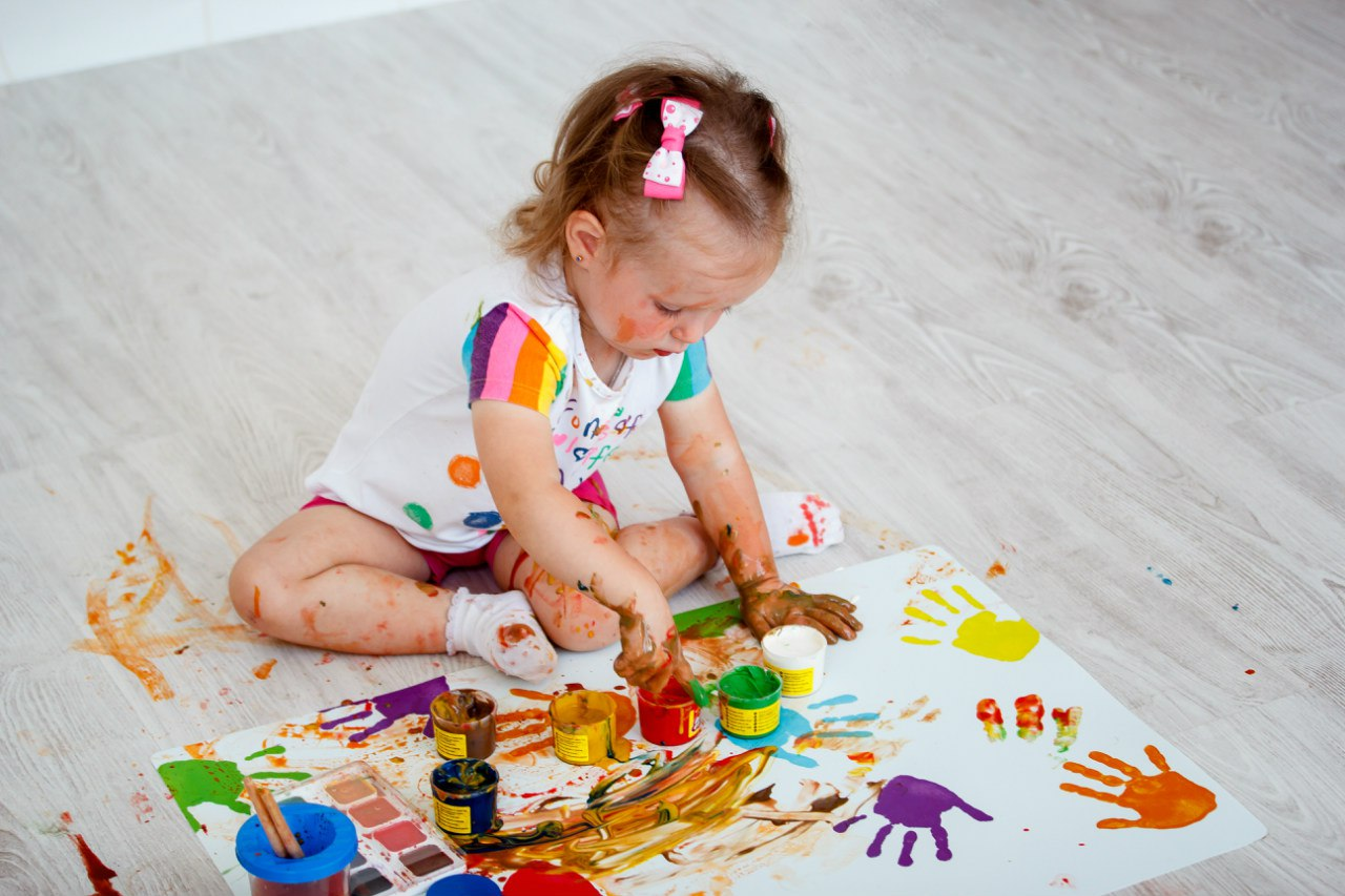 Дети рисуют руками фото