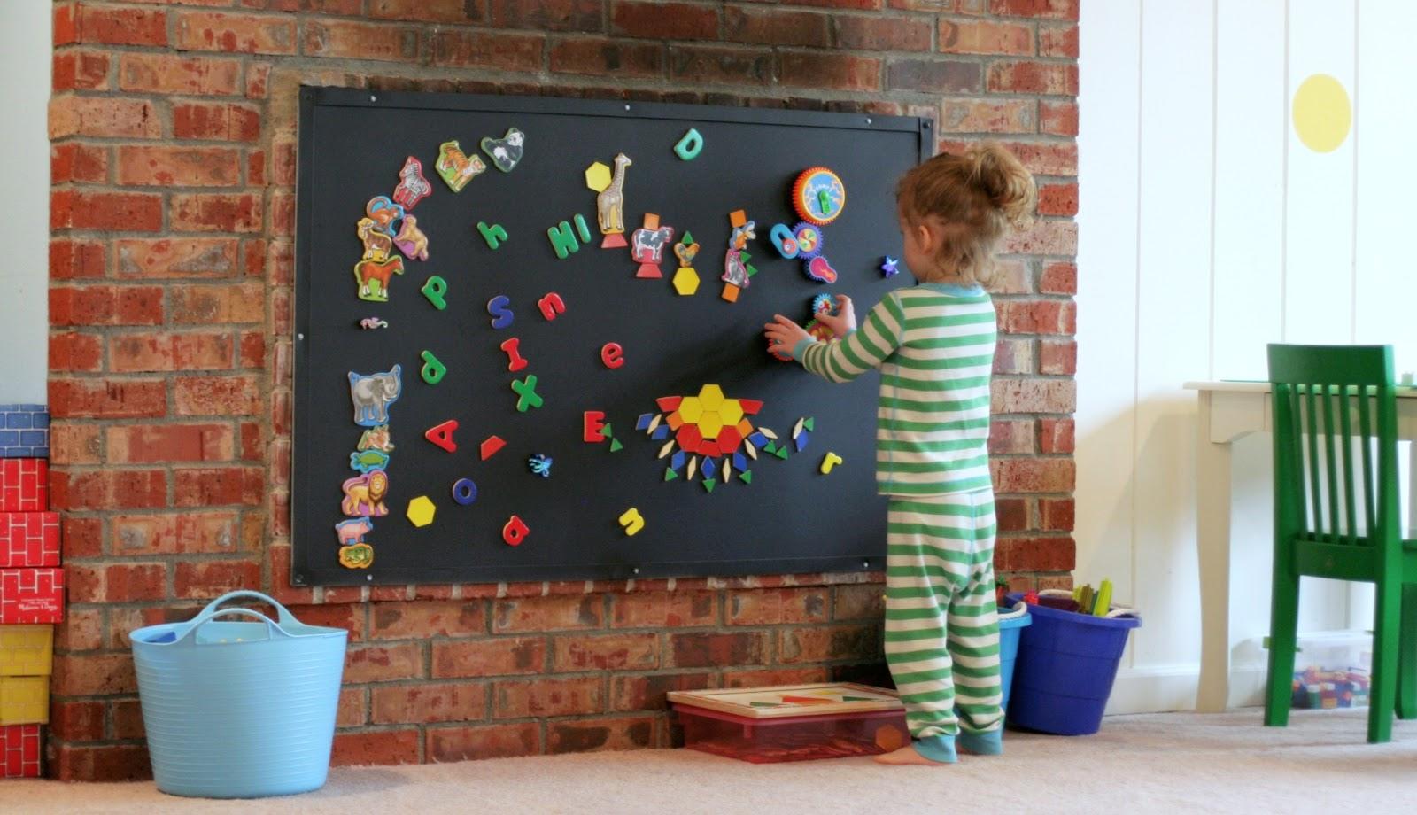 Как раскрасить детскую своими руками 164