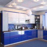 Сине-белая кухня