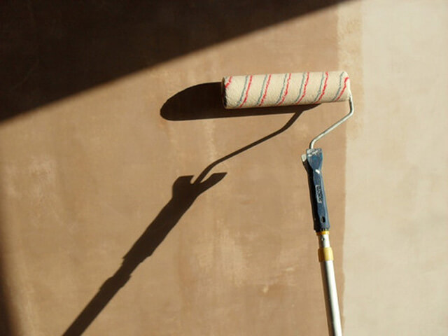 Грунтовка с помощью валика