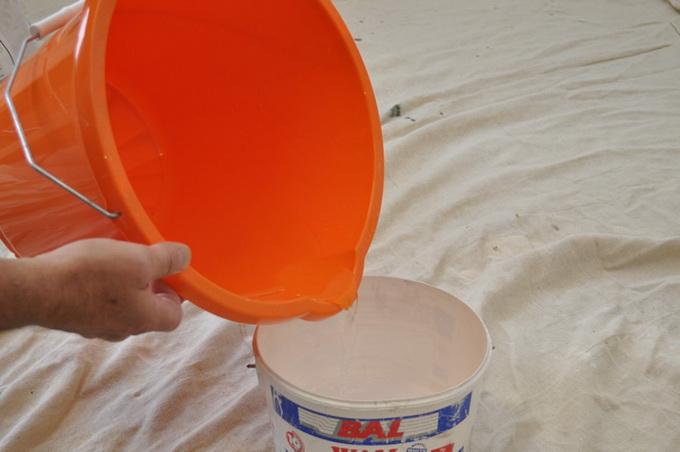 Разбавление краски водой