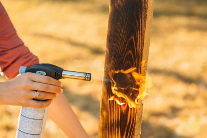 Обжиг древесины огнем