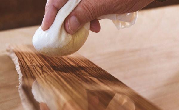 Как удалить пятно от лака по дереву фото
