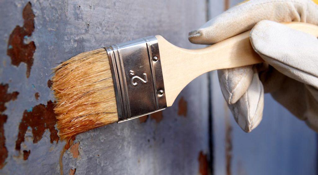 Смывка старой краски с металла
