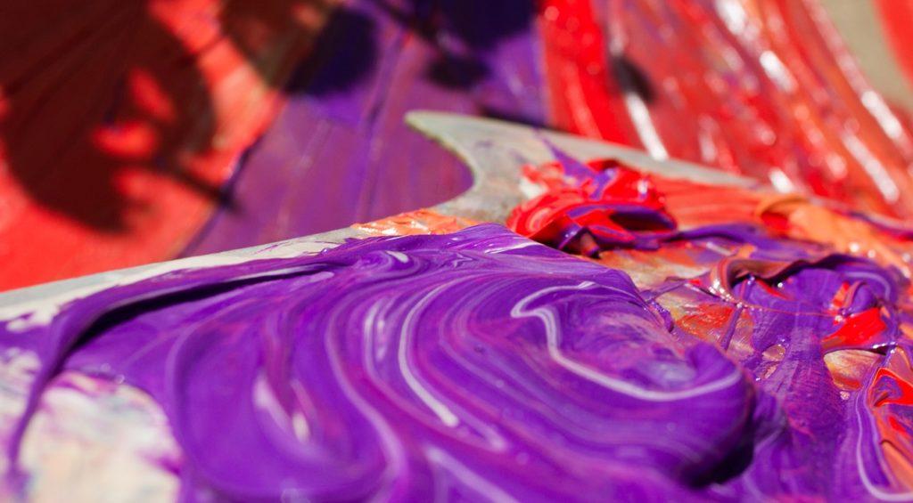 смешать фиолетовый и красный