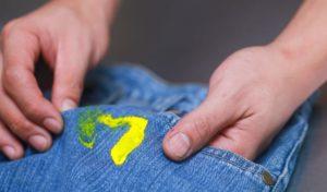 Пятно от краски на одежде