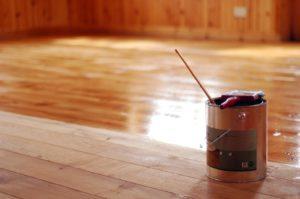 Лакировка деревянного пола