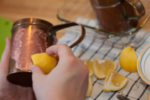 limonla temizlik3 300x200 - Чем очистить силумин от окиси