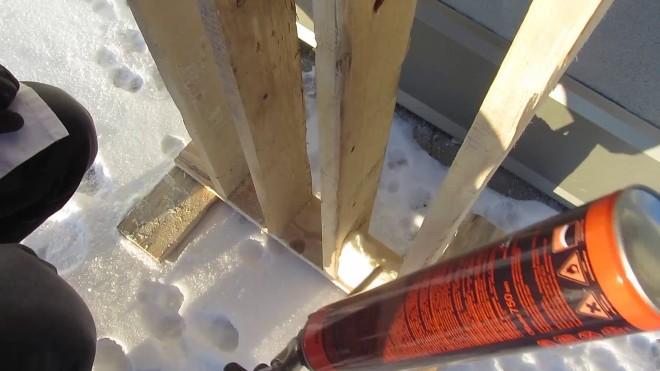 Оптимальная температура использования герметиков составляет +10 .Пена монтажная зимняя
