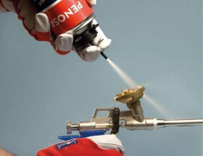 Что делать, если ствол пистолета заполнен засохшей монтажной пеной?