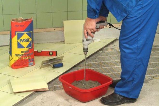 приготовление плиточного клея Кнауф Флизен