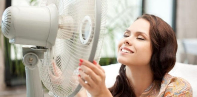 Можно ли включать вентилятор когда клеишь обои